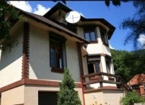 Дом 300 м² на участке 10.00 соток