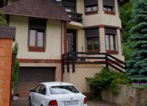 Дом 250 м² на участке 9.00 соток