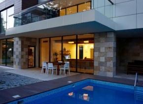 Дом 673 м² на участке 5.00 соток