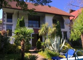Дом 300 м² на участке 5.20 соток