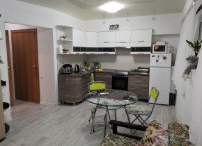 2-к квартира, 42 м², 1/4 эт.