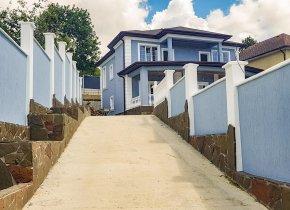Дом 230 м² на участке 8 сот.