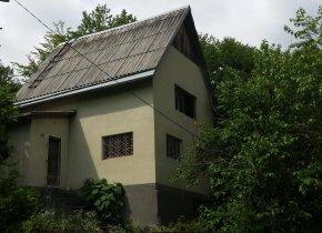 Дом 180 м² на участке 6 сот.