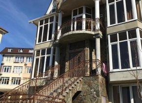 Дом 310 м² на участке 7 сот.