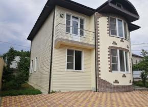 Дом 178 м² на участке 5.00 соток