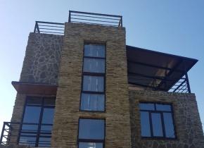 Дом 400 м² на участке 12.00 соток