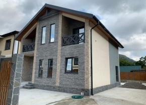 Дом 150.00 м² на участке 4.00 сотки